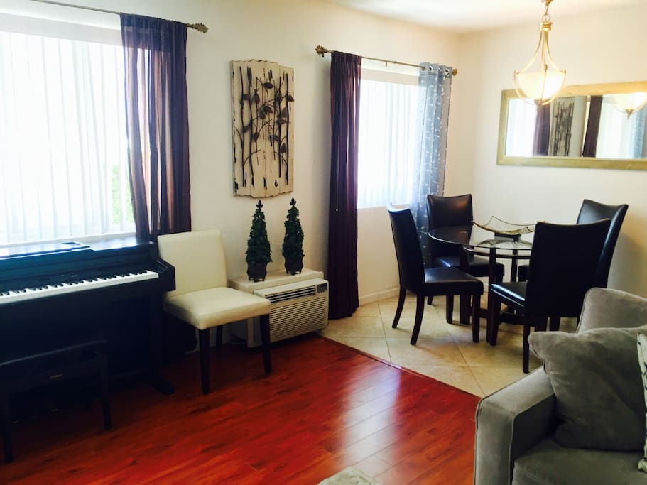 Quiet 1 Bedroom Apt In The Heart Of West Hollywood Apartments For Rent In West Hollywood