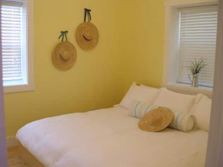 2 bedrooms Cottage - Ensuite Standard