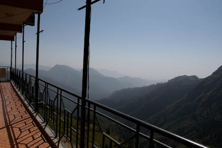 Comfortable Room on Secluded Mountains - Mussoorie - Дом
