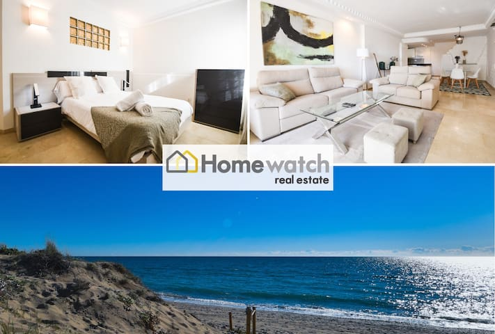 First line beach holiday house with private garden