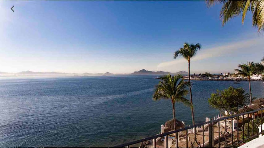 ESTUDIO  BEST OCEAN VIEW  PlayaSol Manzanillo #401