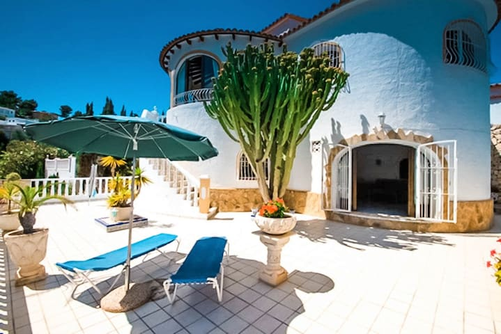 Cuenca - holiday home with private swimming pool in Benissa