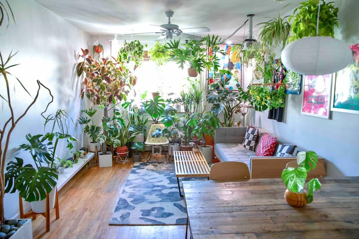 Plantastic Brooklyn Oasis with Private Rooftop