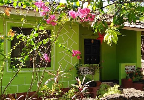 Colva: Room in quaint Goan cottage (nr beach)