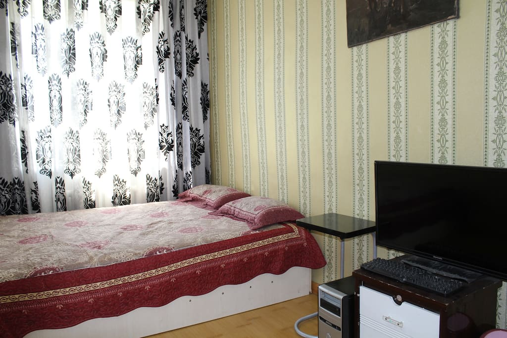 Double room with queen bed and Internet, TV access, wifi