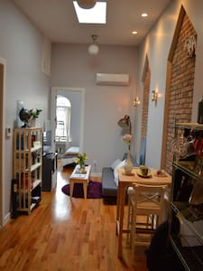 Top Floor Newly Renovated 1-Bedroom - Brooklyn - Apartment