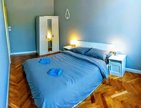 Luxury Relaxing Blue Room