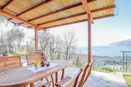 Holiday cottage with 1 bedroom on 30m² in Ruta di Camogli -GE-