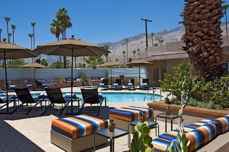 Adults-Only Luxury Studios (Multi-Platinum SuiteA) - Palm Springs