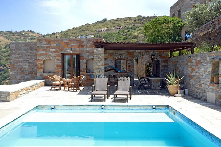Stylish villa with a swimming pool and sea view