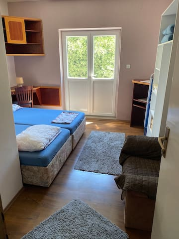 Blue bedroom with balcony and breakfast nb 3