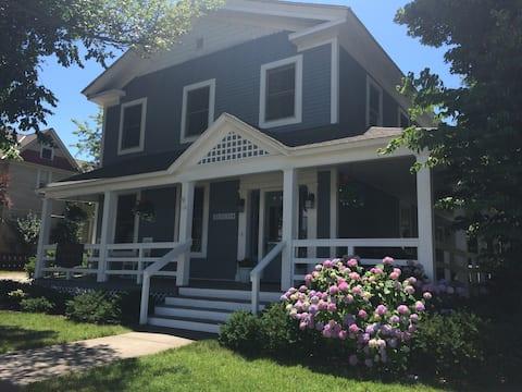 Franklin House-Upper Back Condo