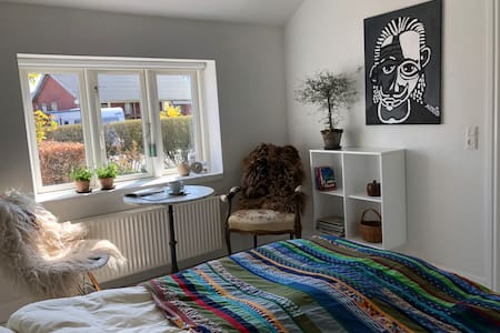 Cozy and bright room, close to Aarhus and nature