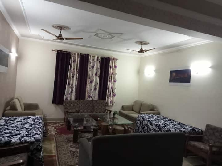 3BHK Independent Flat for Mothly Stays   Gurgaon