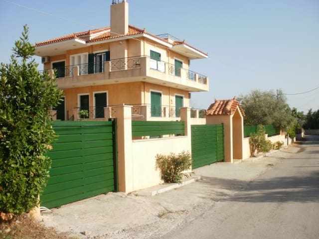 Family friendly apartment near sea - Πολιτικά