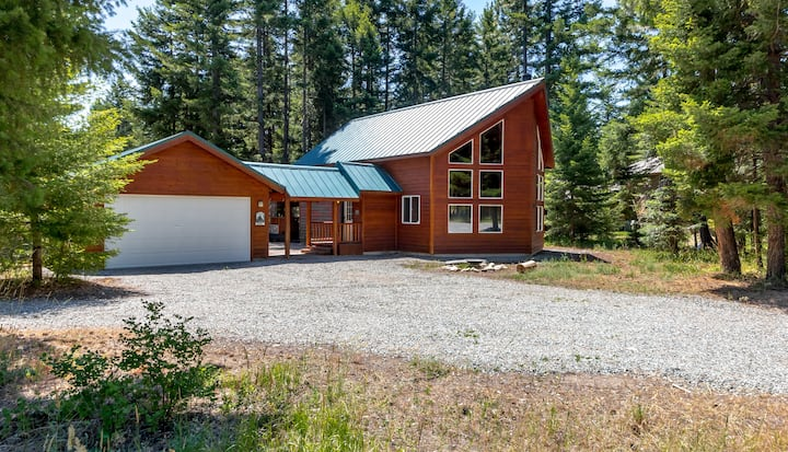 Beautiful Cabin*Vaulted Ceilings*4th Nt FREE*Pet-Friendly*Covered Deck*Fr Pit