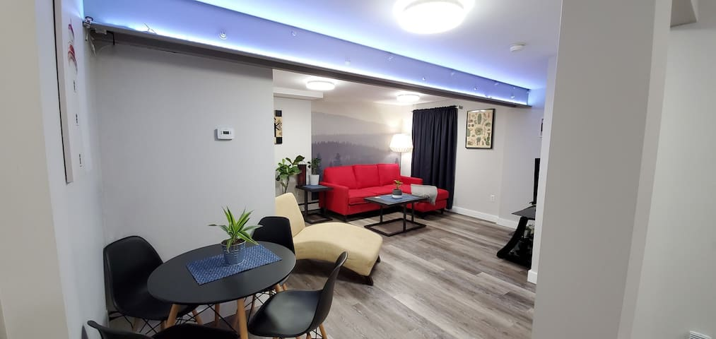 Newly Renovated North End Apartment