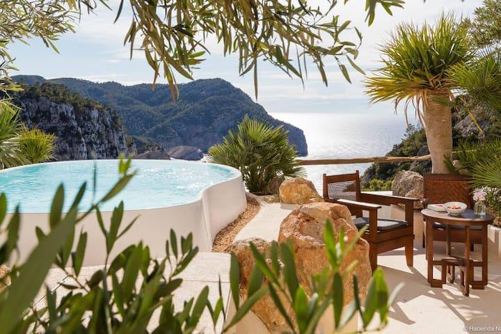 Hacienda Na Xamena, Ibiza, Eden Room