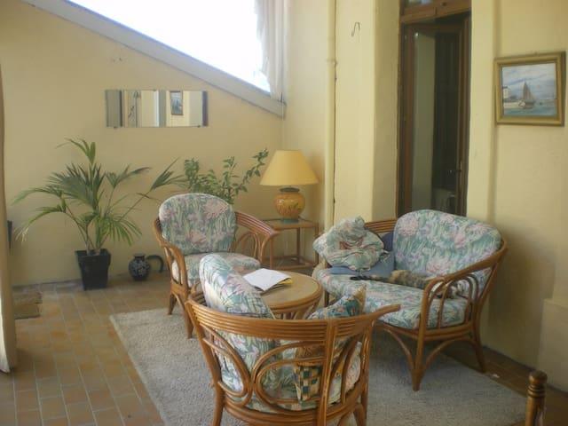 maison avec jardin et terrasses - Popian - House