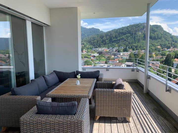Luxury penthouse mountain view, whirlpool+terrace☀️