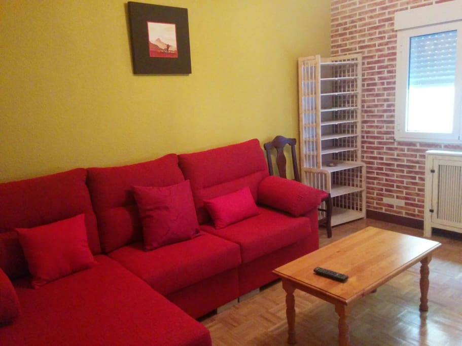 Alquiler piso impecable flats for rent in gij n for Decoracion piso gijon
