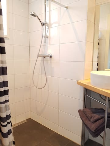 Super central cosy appartment, fully renovated! - Utrecht - Appartement en résidence