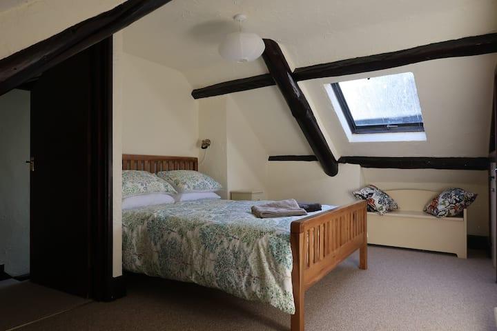 Parham Cottage Medieval Village Home