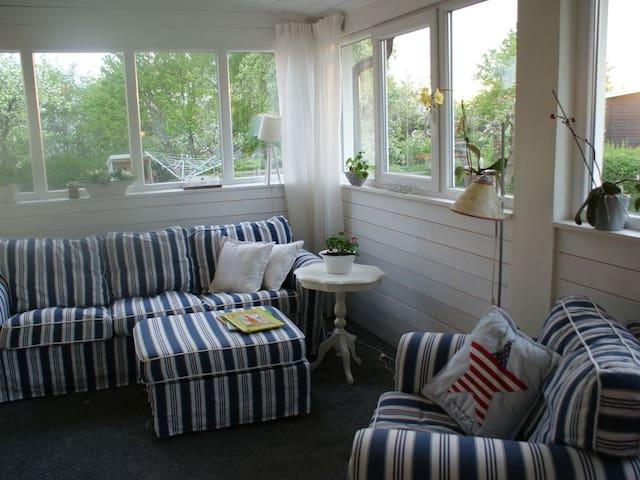 Fräsch villa, 3 km från Astrid Lindgrens värld