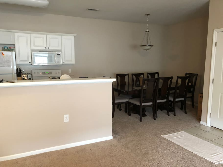 6 Person Dining Area