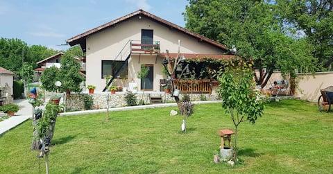Villa Green Garden Pleven Park Kaylaka