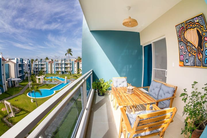 NEW! 2 BR apartment w/rooftop close to the beach