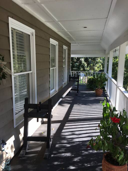 Front Porch(Charleston Joggling Board)