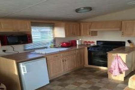 8 Berth Caravan At Richmond Caravan Park, Skegness - Skegness - Отпускное жилье