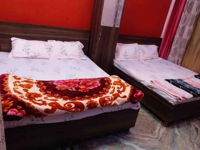 DELUXE ROOM (DOUBLE BED-2)