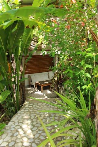 Surf Haiti Guesthouse Bungalow 2