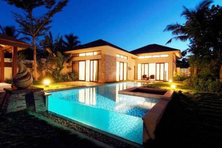 亚龙湾花语一卧室浪漫别墅带私家泳池