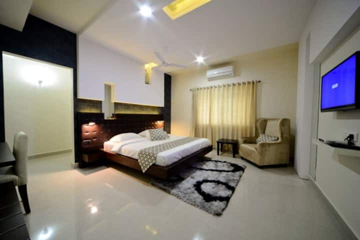 Premium a/c rooms at Hitech city, Hyderabad