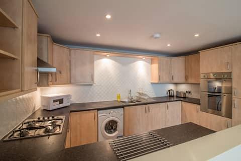 Spacious & Light-Filled Duplex House in Edinburgh