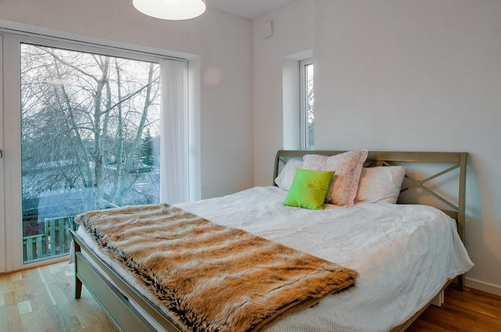 Designer townhouse on the Arlanda - Stockholm line