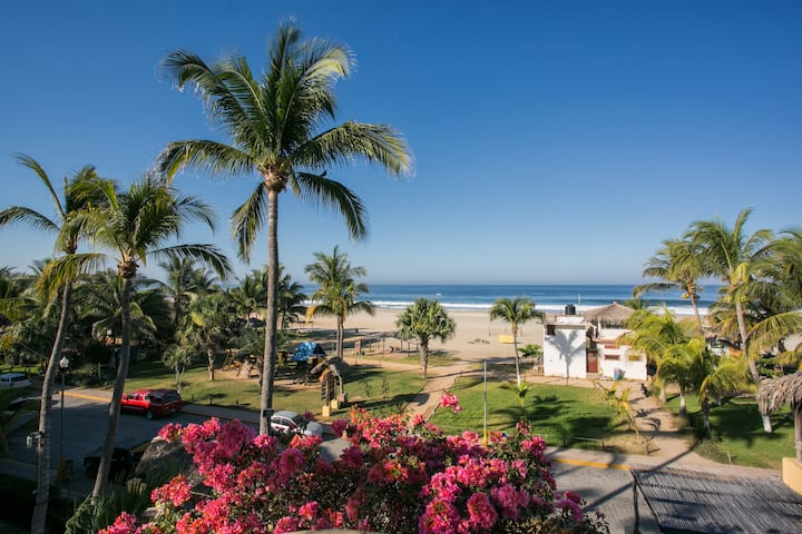 Suite frente a Zicatela Beach Break