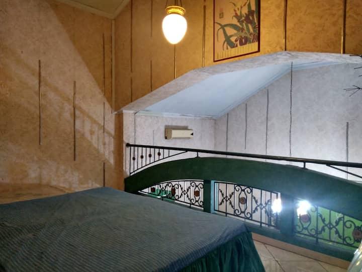 Guesthouse Kos Jakarta ( Hacienda room)