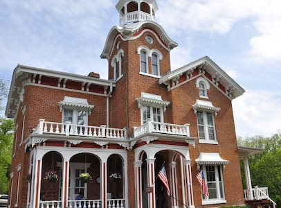 The Jewel of Galena-Whirlpool/Fireplace - Galena - Bed & Breakfast