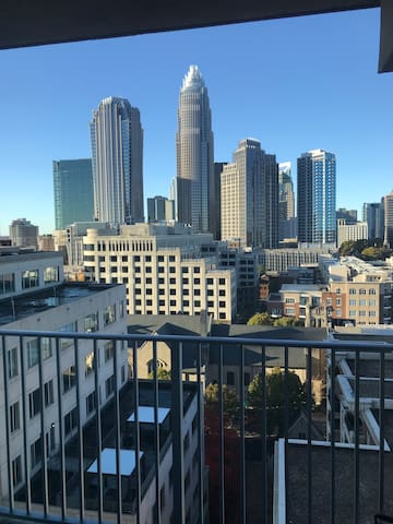King Bed Studio * Amazing views * Uptown Charlotte