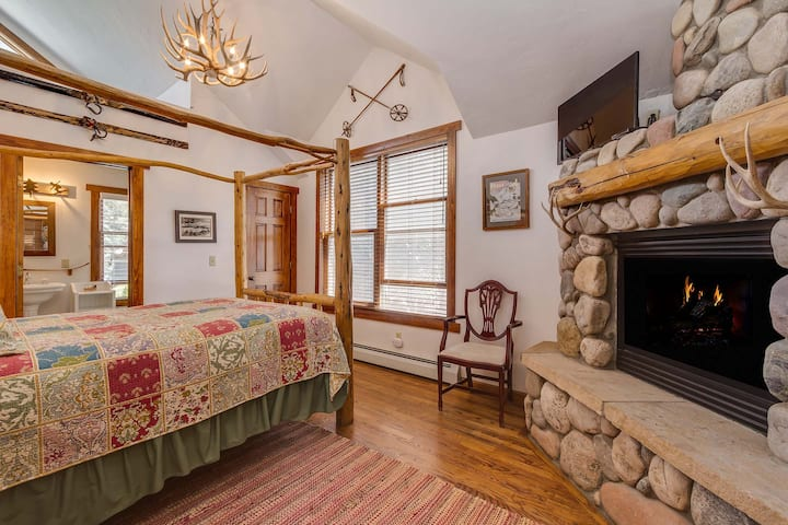 Minturn Inn - Premier Room - Camp Hale