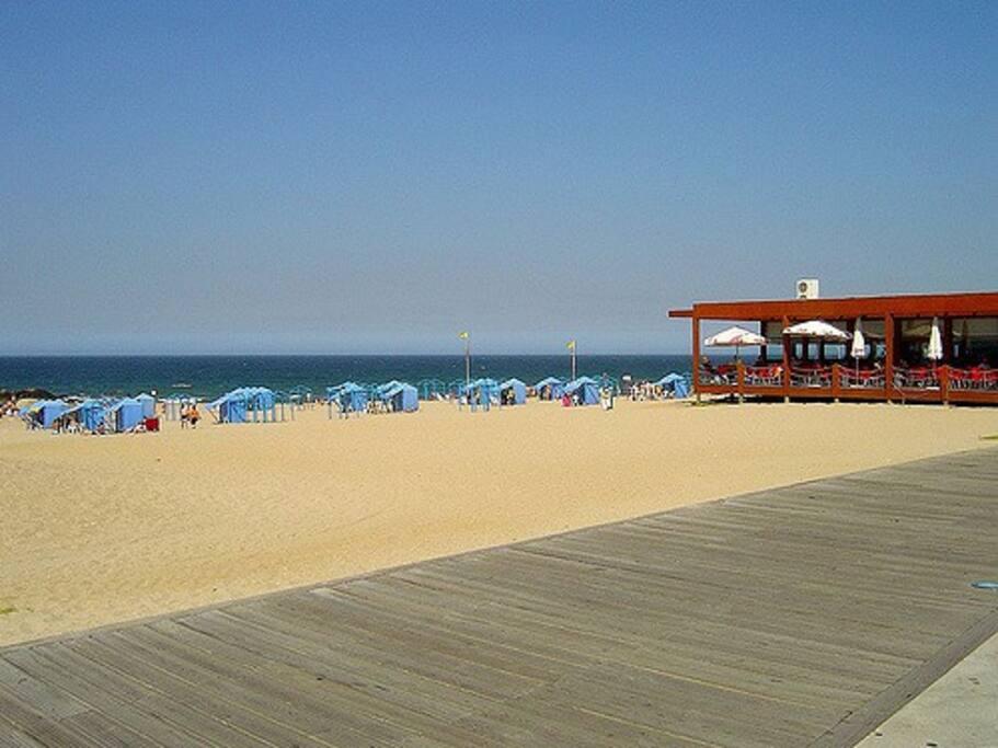 Praia de Salgueiros 100 metros