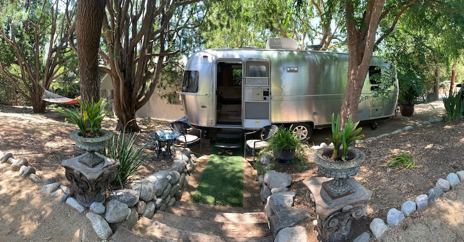 Airstream Urban Glamp Site with Pool, Spa &  Yard