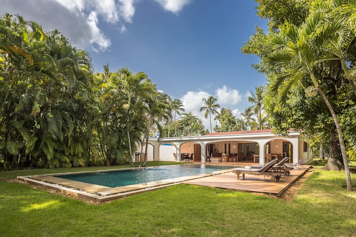 Villa at only 50 m from the Ballenas beach
