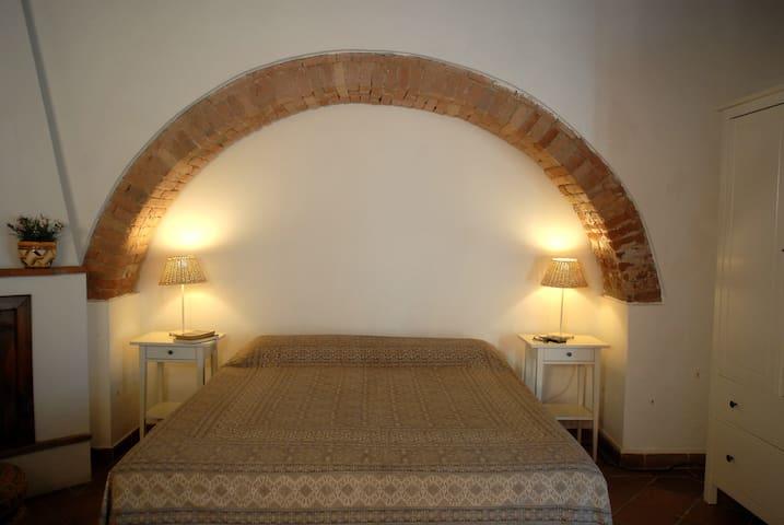 IL GATTO: ROMANTICO, VICINO AL MARE - Campiglia Marittima - Apartment