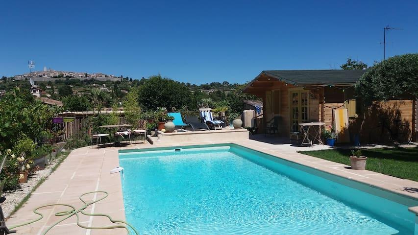 Villa avec piscine face st paul de vence houses for - Pool house piscine moderne saint paul ...