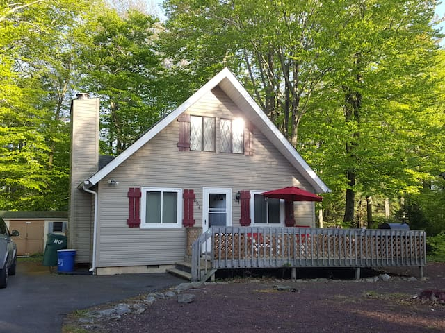 Quiet Chalet with free Wi-Fi, Gated Community